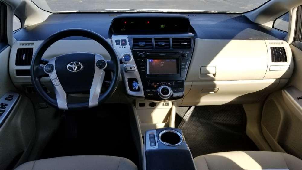 Toyota Prius 2012 White