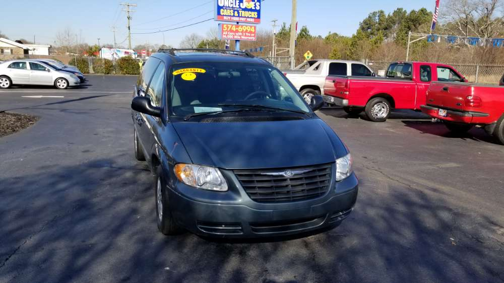 Chrysler Town and Country 2005 Blue