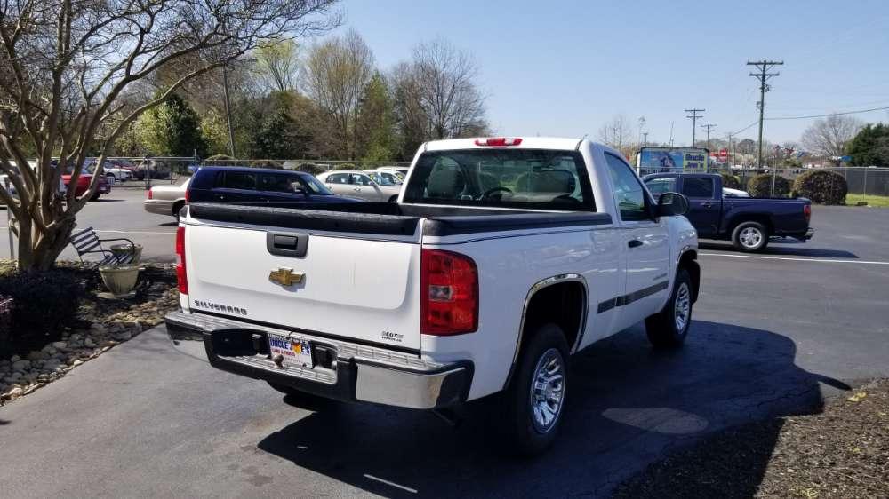 Chevrolet Silverado 2011 White