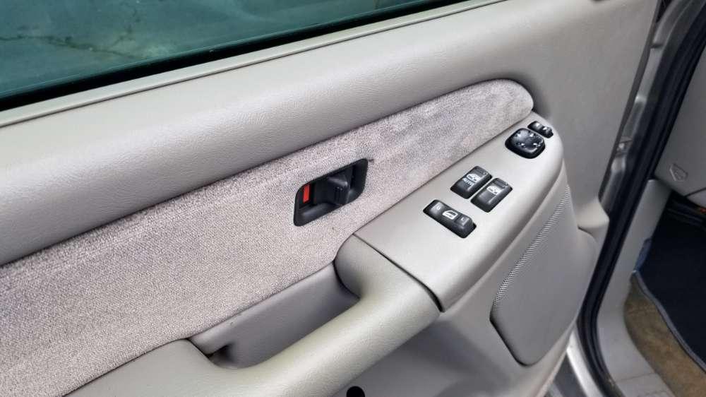 Chevrolet Silverado 2001 Beige