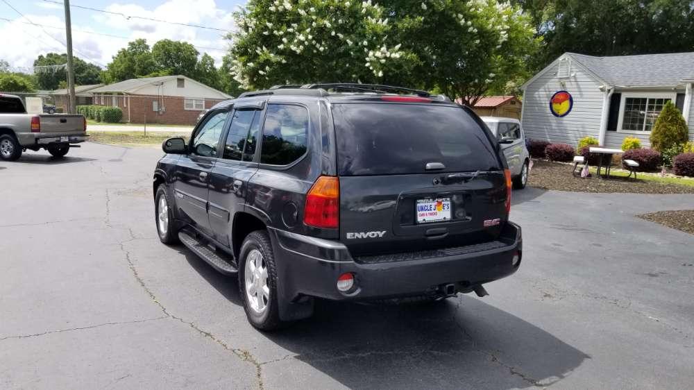 GMC Envoy 2004 Black