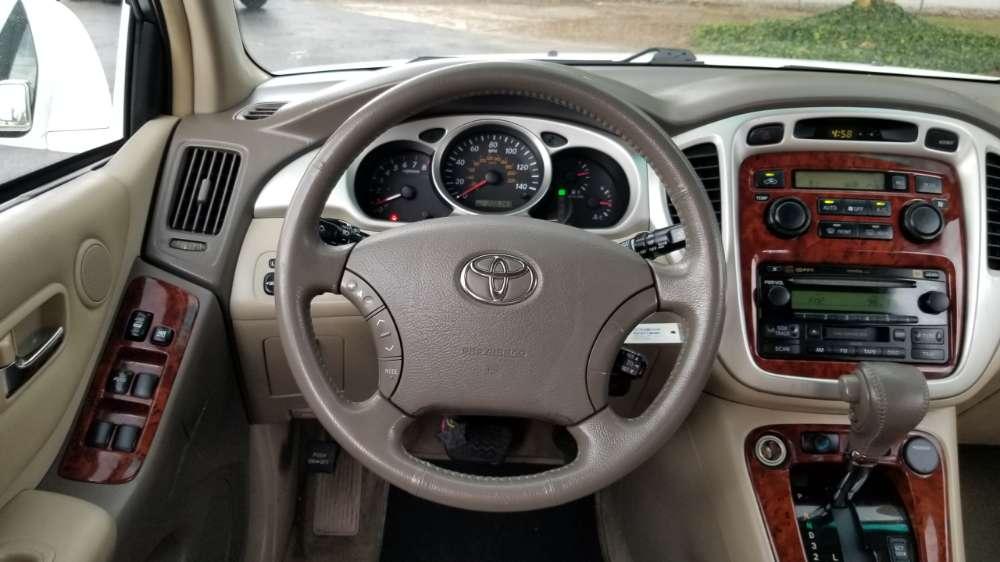 Toyota Highlander 2006 White