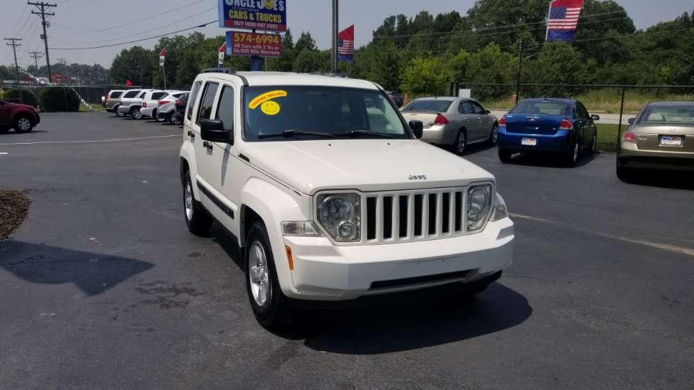 Jeep Liberty 2010 White