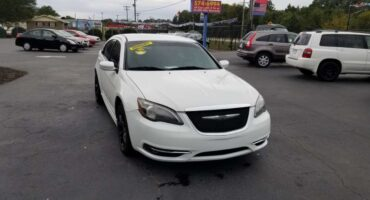 Chrysler 2013 2013 White